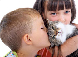 kids-with-cat
